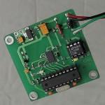 Cyfrowy korektor pochylenia wagi taśmociągowej z czujnikiem MEMS